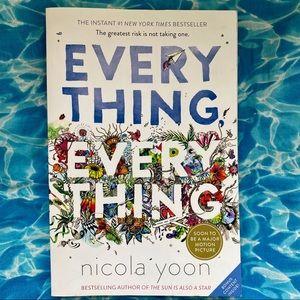 Everything Everything by Nicola Yoon Paperback